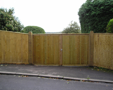 Closeboarded gate